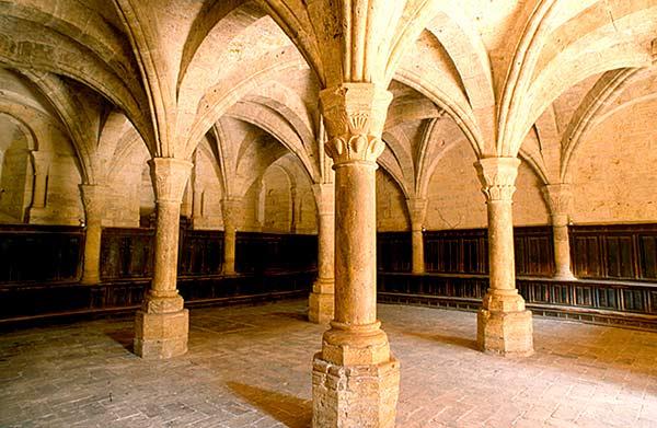 Evocando a San Bernardo en Navarra: imágenes y arquitectura del Císter